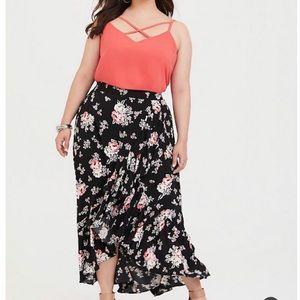 NWT Torrid Black floral Garden ruffle Hilow Skirt